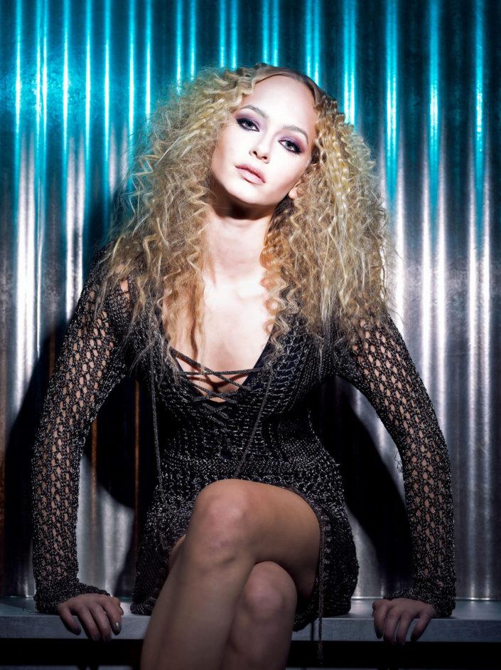 Sylvie Wavy Glamour Shooting 2019-01-18