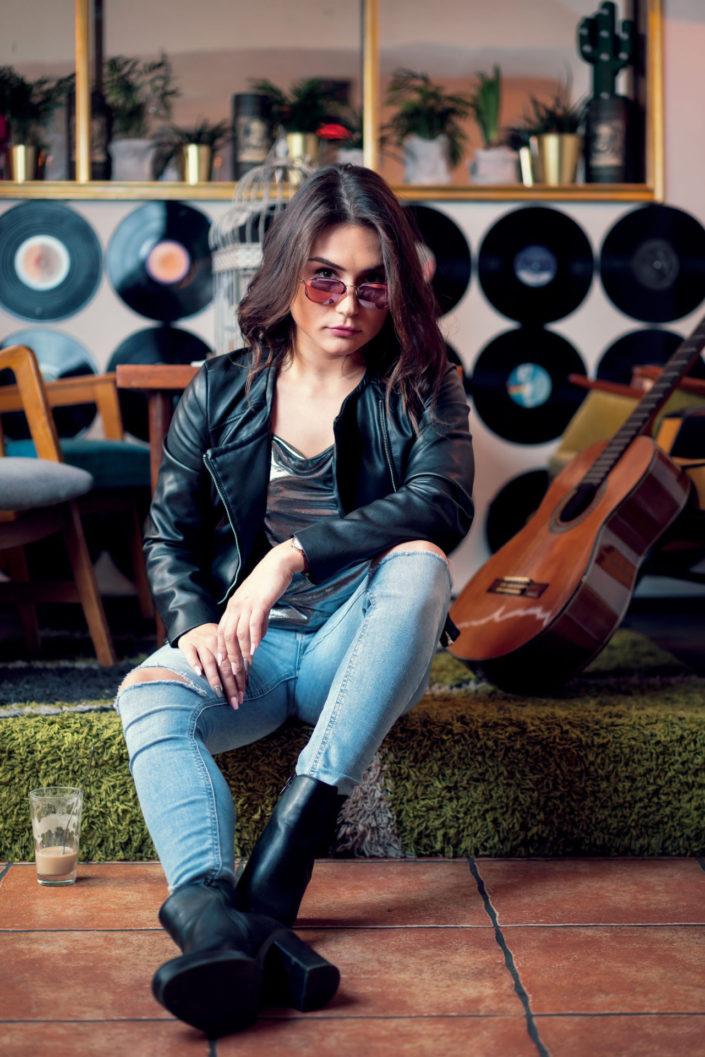 Stephanie Madrian im Wohnzimmer 2019-03-05