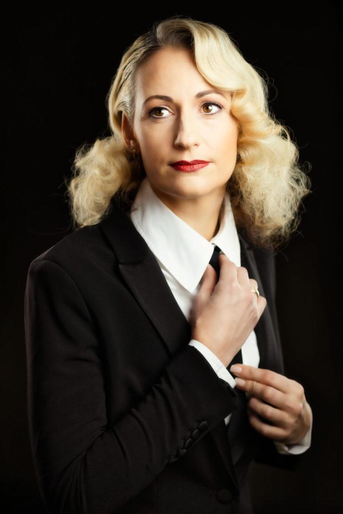 Nina Petritsch dressed portraits 2020-01-14